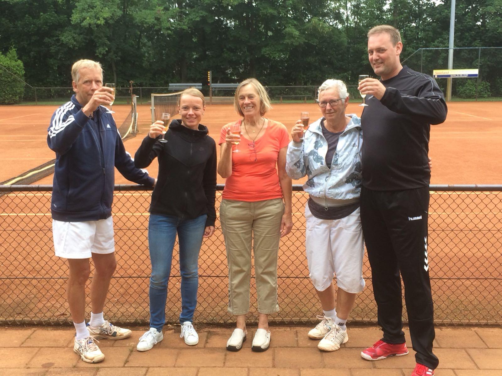 Mix team TC Nieuwe Pekela Kampioen