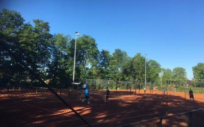 Ja we mogen weer samen tennissen, tossen en onderlinge wedstrijden!