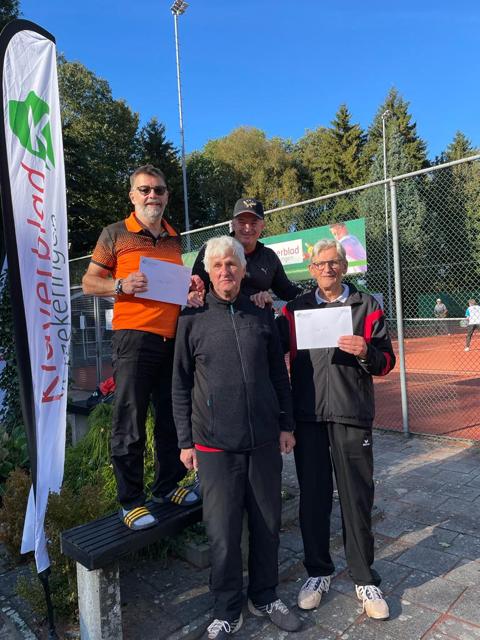 Anno Engels en Arnold Niessen winnen toernooi Oude Pekela